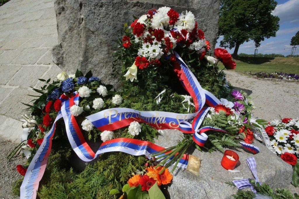 Pamätník M.R. Štefánika na Bradle